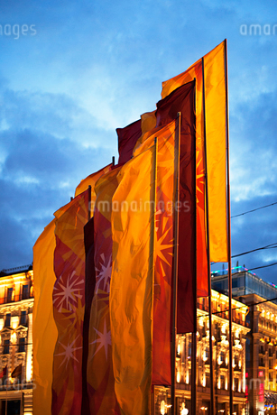 Russia, Moscow, Flags in city at duskの写真素材 [FYI02202114]
