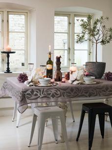 Sweden, Elegant dining tableの写真素材 [FYI02203830]