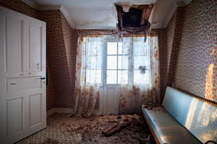 Sweden, Room with damaged ceilingの写真素材 [FYI02203884]