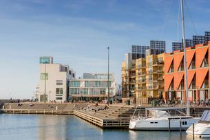Sweden, Skane, Malmo, Vastra hamnen, Marina on sunny dayの写真素材 [FYI02204030]