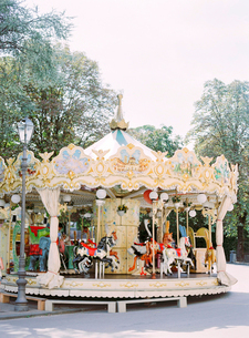 Italy, Amalfi, Positano, Carousel horse in amusement parkの写真素材 [FYI02204323]