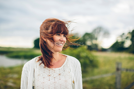Sweden, Blekinge, Karlskrona, Portrait of smiling womanの写真素材 [FYI02204455]
