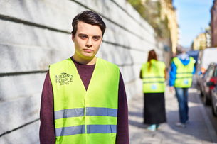 Sweden, Uppland, Stockholm, Kungsholmen, Volunteers on sidewalkの写真素材 [FYI02204673]