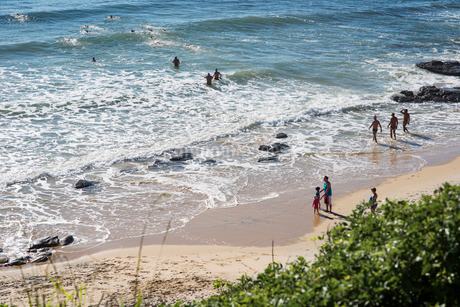 Australia, Queensland, Sunshine Coast, Mooloolaba, Elevated view of sea and beachの写真素材 [FYI02204863]