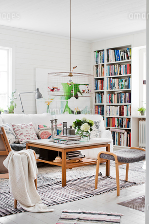 Sweden, Living room with chairs and coffee tableの写真素材 [FYI02204902]