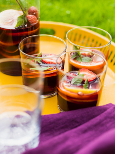 Sweden, Glasses with sangria drinksの写真素材 [FYI02205443]