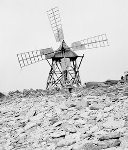 Sweden, Oland, Jordhamn, Black and white picture of windmillの写真素材 [FYI02205924]