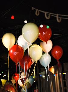 Sweden, Halland, Varberg, Balloons under ceilingの写真素材 [FYI02206064]