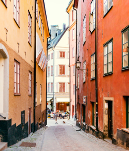 Sweden, Stockholm, Junction of old town streetsの写真素材 [FYI02206426]
