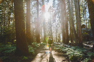 USA, California, Yosemite National Park, Man hiking at Taft Point Trailの写真素材 [FYI02206540]