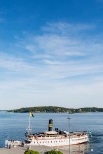 Sweden, Stockholm Archipelago, Uppland, Waterfront in Vaxholmの写真素材 [FYI02206630]