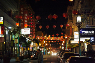 USA, California, San Fransisco, Chinatown, Bush Street and Grant Avenueの写真素材 [FYI02206748]