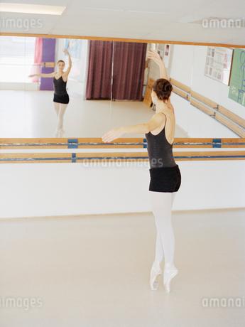 Ballet-dancerの写真素材 [FYI02206996]