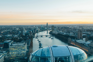 UK, England, London, River Thames and city panorama seen from London Eyeの写真素材 [FYI02207206]