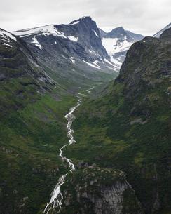 Norway, Jotunheimen mountain rangeの写真素材 [FYI02207538]
