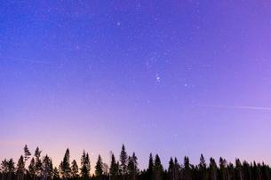 Starry night sky in Mottorp, Swedenの写真素材 [FYI02207549]