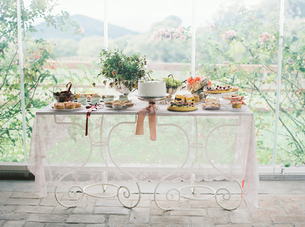 Italy, Table with cakesの写真素材 [FYI02207568]