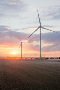 Windmill farm in Hurva, Swedenの写真素材 [FYI02207709]
