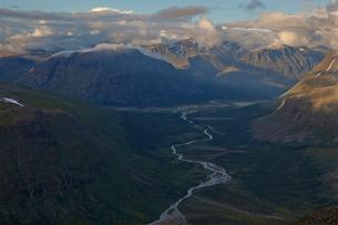 Sweden, Lapland, Rapadalen, Majestic landscape of Sarek national parkの写真素材 [FYI02207716]