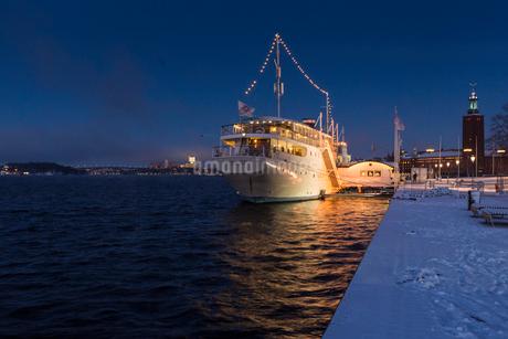 Ship at port in Stockholm, Swedenの写真素材 [FYI02207748]