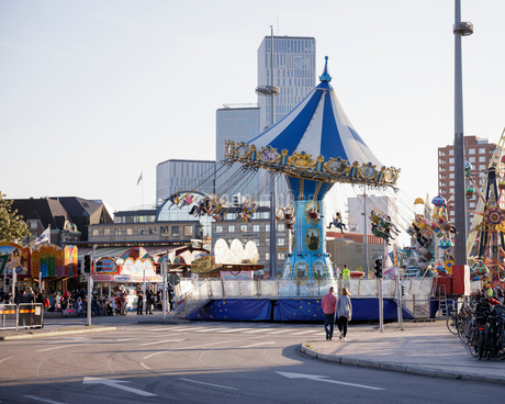 Carnival ride on street in Malmo, Swedenの写真素材 [FYI02207910]