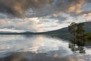 Lake in Jamtland, Swedenの写真素材 [FYI02208069]