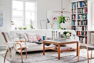 Sweden, Living room with sofa and coffee tableの写真素材 [FYI02208704]