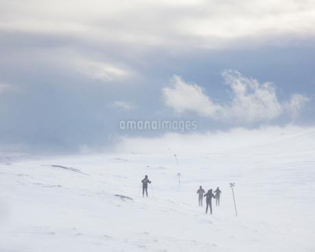 Skiers in Are, Swedenの写真素材 [FYI02208715]
