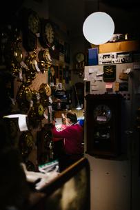 Man in workshop in Swedenの写真素材 [FYI02208736]