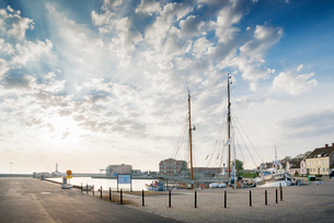 Sweden, Skane, Harbor in Simrishamnの写真素材 [FYI02208888]