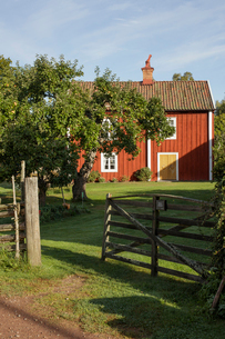 Farm house in Smaland, Swedenの写真素材 [FYI02209192]