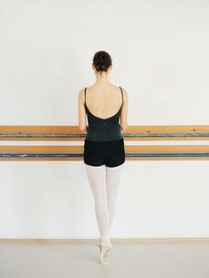 Ballet-dancer,rear viewの写真素材 [FYI02209254]
