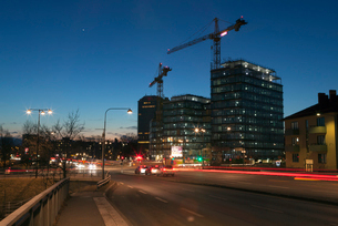Street at night in Solna, Swedenの写真素材 [FYI02209317]