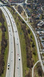 Aerial view of highway in Uppland, Swedenの写真素材 [FYI02209373]