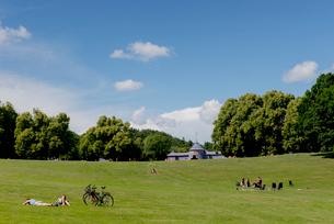 Sweden, Uppland, Stockholm, Hagaparken, Public park with entertainment tentの写真素材 [FYI02209646]
