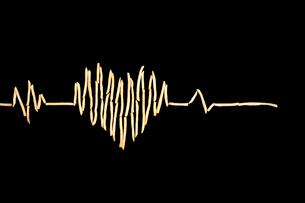 Creative electrocardiogram made of potato chipsの写真素材 [FYI02209960]