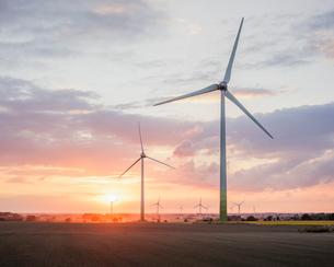 Windmill farm in Hurva, Swedenの写真素材 [FYI02210132]