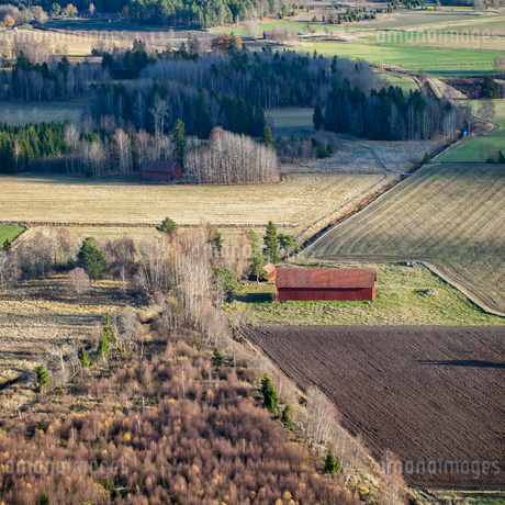 High angle view of barn in Karby, Swedenの写真素材 [FYI02210727]