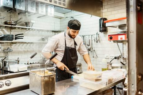 Chef at bakery in Swedenの写真素材 [FYI02210827]