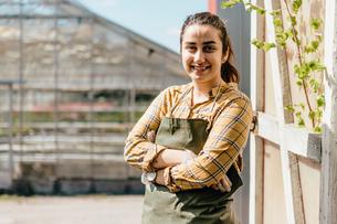 Portrait of garden centre workerの写真素材 [FYI02210867]