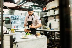 Chef at bakery in Swedenの写真素材 [FYI02211338]