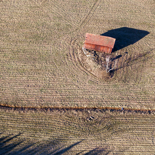 High angle view of barn in Finsta, Swedenの写真素材 [FYI02211393]