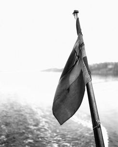 A flag on a boatの写真素材 [FYI02211762]