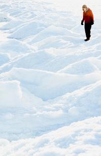Man on snow in Biludden, Swedenの写真素材 [FYI02211774]