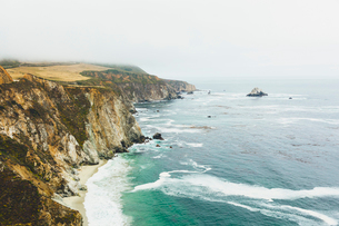USA, California, Big Sur, View of rocky coastの写真素材 [FYI02211787]
