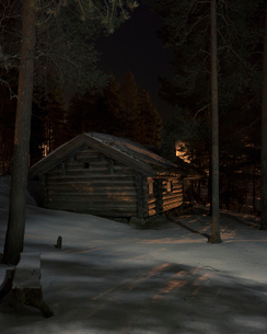 Cabin during winter in Dalarna, Swedenの写真素材 [FYI02211802]