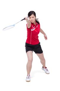 Female athlete playing badmintonの写真素材 [FYI02211923]