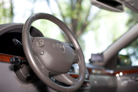 Steering wheel of carの写真素材 [FYI02212957]