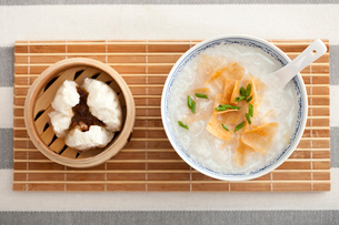 Barbecued pork bun and porridge, traditional Chinese breakfaの写真素材 [FYI02213217]