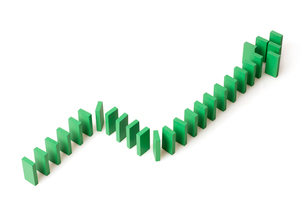 Ascending line graph formed by dominosの写真素材 [FYI02213284]
